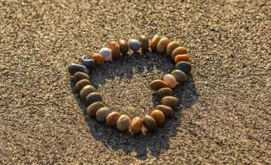 heart-rhinestones-sand-beach-122445